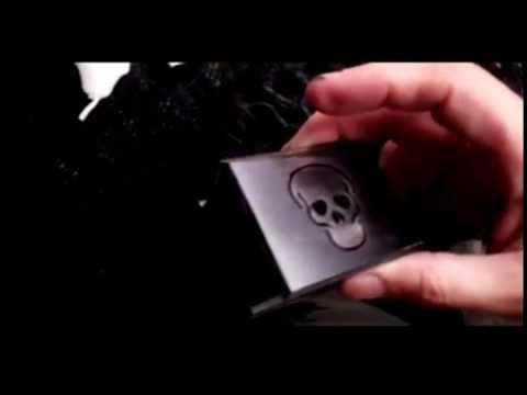 Halloween skull black wooden music box - halloween gifts - Music of the bones