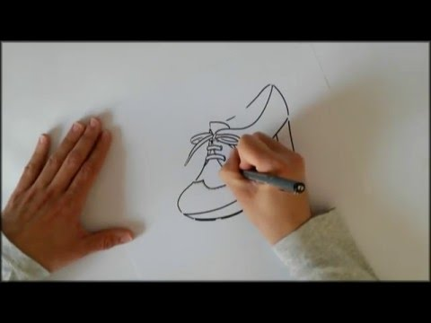 dibujo-a-mano-alzada-de-un-blucher