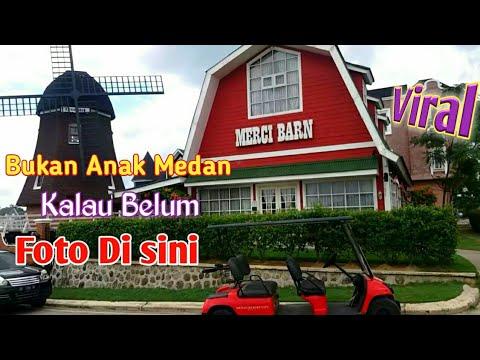 merci-barn-|-wisata-foto-di-perumahan-merci-barn-medan-johor-|-kincir-angin-besar-perumahan-belanda