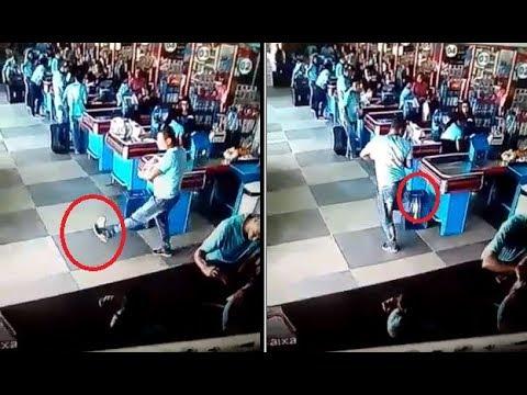 Un brasileño deja boquiabiertos a los cajeros de un supermercado