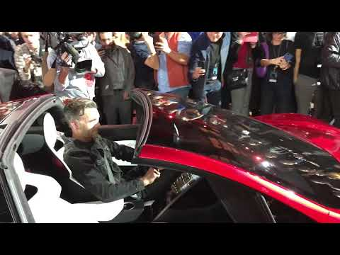 New Tesla Roadster Up Close 0-60 1.9 sec