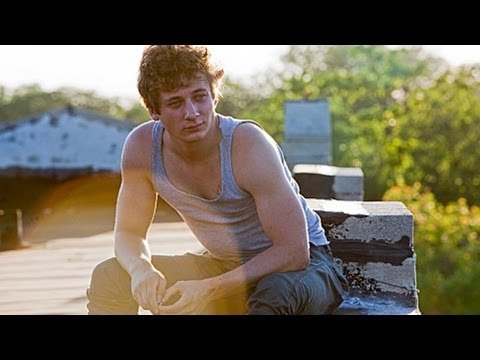 Truth or Dare with SHAMELESS Star, Jeremy Allen White!