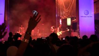 The Veronicas - This Is How It Feels (Live at Bukit Bintang)