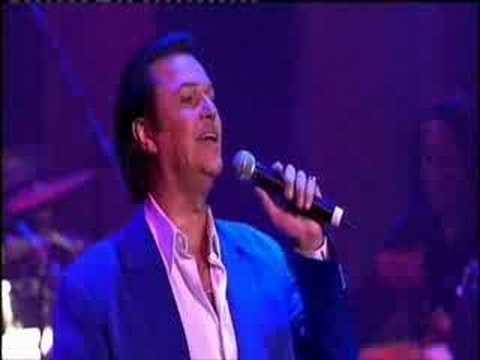 John Rowles sings