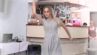 Hyderabadi Marfa American girl dancing