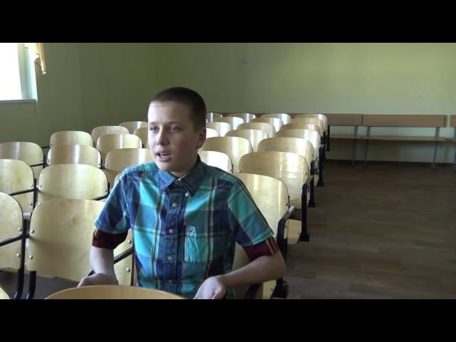 Изображение предпросмотра прочтения – ИванЛарионов читает произведение «Ничего не понимают» В.В.Маяковского