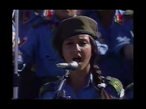 Violetta: Momento Musical: Bonzinhos vs. Malvados from YouTube · Duration:  1 minutes 34 seconds