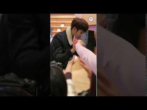 [161123GOT7] 잭슨이랑 하이파이브하실분✋ (보라매 팬사인회)(fancam_eng Sub)