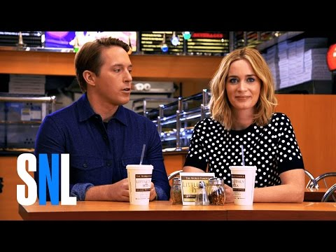 SNL Host Emily Blunt and Beck Split a Large Pepperoni