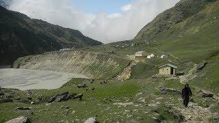 trek to milam glacier 120 kms
