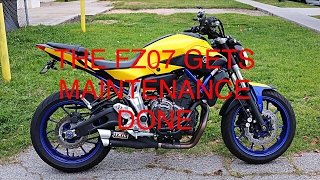 Yamaha FZ07 Maintenance (oil change + chain cleaning) and more
