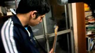 reenovados. punk rock en ensayo en la casa del EMI