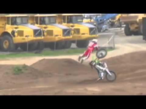 motocross qui tombe