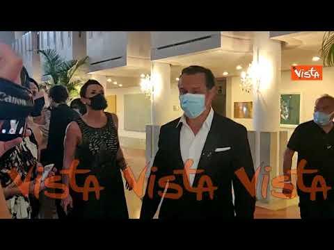 """Venezia 77, Stefano Accorsi verso il Red Carpet di """"Lasciami andare"""""""
