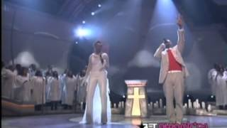 kanye west - jesus walks (2004 bet awards)