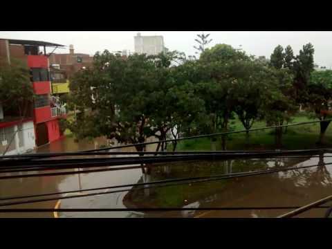 Continúa la lluvia en Chiclayo lambayeque
