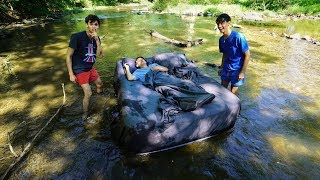 DAD WAKES UP IN RIVER PRANK!