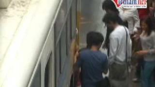 Repeat youtube video VietNamNet Video Tệ nạn móc túi trên xe bus