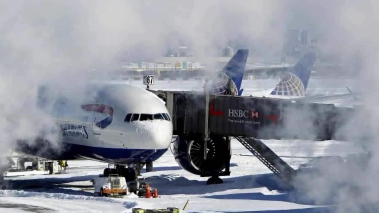 Aeroporto Jfk : Aeroporto jfk suspende voos por causa da neve em nova york youtube