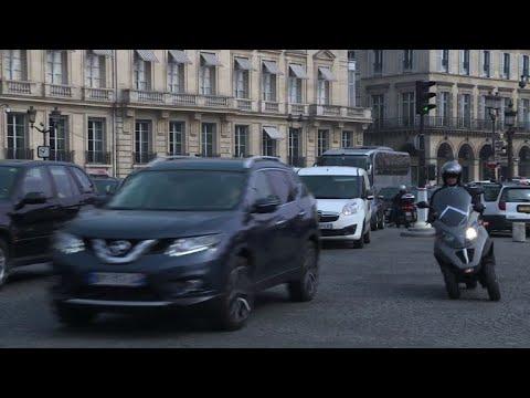 Paris pretende eliminar carro a diesel e a gasolina