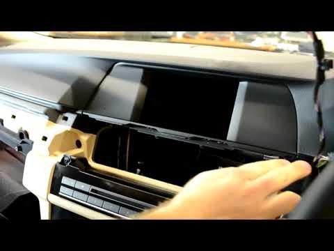 Снятие и замена головного устроства (монитора) BMW F10