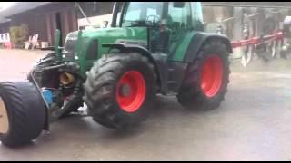 traktor mit der coolsten hydraulik. Black Bedroom Furniture Sets. Home Design Ideas