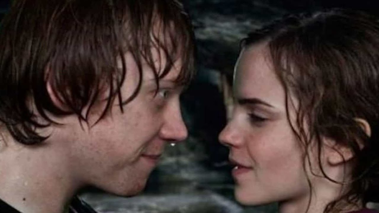 The Reason Rupert Grint Didn T Want To Kiss Emma Watson In Harry Potter Youtube