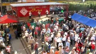 Huapango el Domingo en Xilitla - Dejen de bailar y vengan a misa
