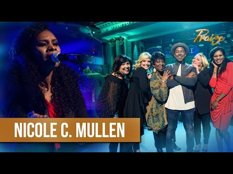 Nicole C. Mullen sings 'My Redeemer Lives' on TBN's PRAISE