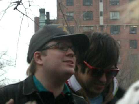 "Patrick Stump Singing ""Grand Theft Autumn"" In Washington Square Park"