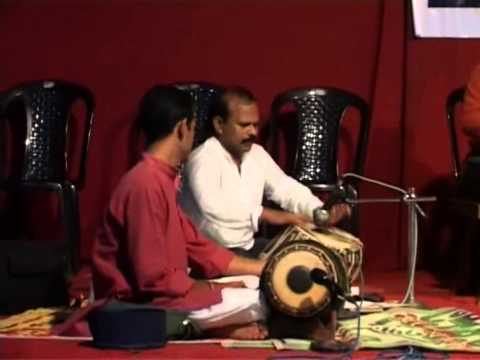 MOOKAAMBIKE DEVI CHITHRA ARUN BHAKTI GANAMELA MURALEESANGEETH ORKESTRA clip1
