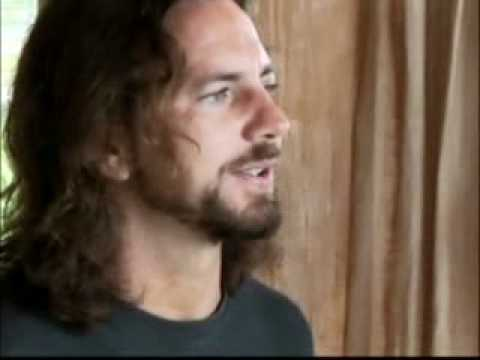 Pearl Jam 'Oceans' + Interview on How Eddie Vedder shuned interviews at the height of fame.mp4 mp3