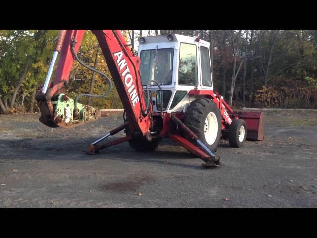 Ford 555a backhoe loader tractor ford backhoe loader ford backhoe loading video fandeluxe Gallery