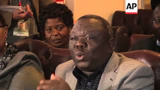 Zimbabwe officials say Mugabe wins with 61 percent, Tsvangirai reaction