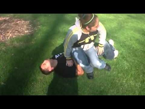 Suegra e hija abusando de yerno sexi jajaja