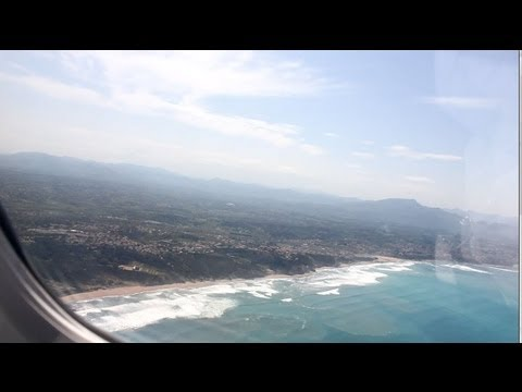 Fantastic view! Approach and landing at Biarritz Airport (BIQ) - Embraer ERJ145.