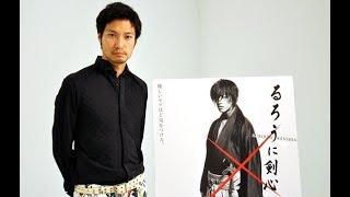 映画「るろうに剣心」で相楽左之助役を演じた俳優の青木崇高さん。 他に...