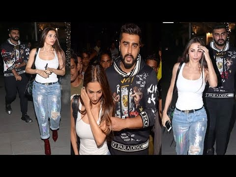 Malaika Arora & Boyfriend Arjun Kapoor Show Their RELATIONSHIP By Holding Hands Publically Mp3