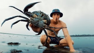EP 17 - HUGE MUDCRAB IN EPIC STORM (Smoked Recipe) | Catch n Fry