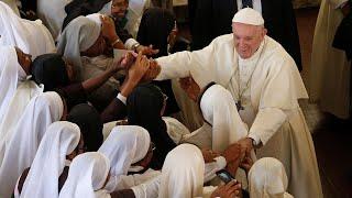 ĐTC khuyên các linh mục, tu sĩ Madagascar đừng trở thành chuyên gia tâm linh, buôn thần bán thánh