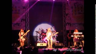 Silent Siren perform in Indonesia at Indonesia University Post By :...