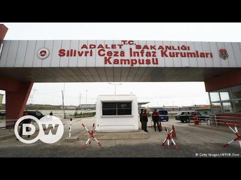 Türkiye'de gazetecilik cezaevinde  - DW Türkçe
