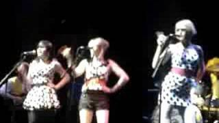 The Pipettes @ Inverness : Your kisses Are Wasted On Me