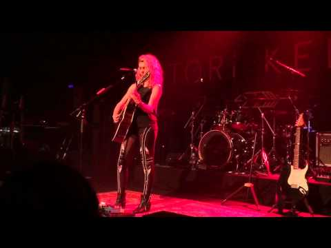 Tori Kelly - Beautiful Things (live)