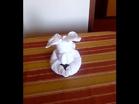 Piegare Gli Asciugamani A Forma Di Animale : Come fare un cane con gli asciugamani. [videotutorial] youtube