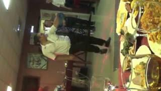 Братишка танцует под песню шлёпки