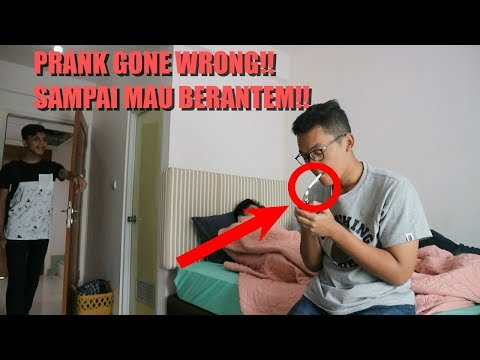 GUA PRANK ROKOK SAHABAT GUA SAMPAI MAU BERANTEM(GONE WRONG!!!)