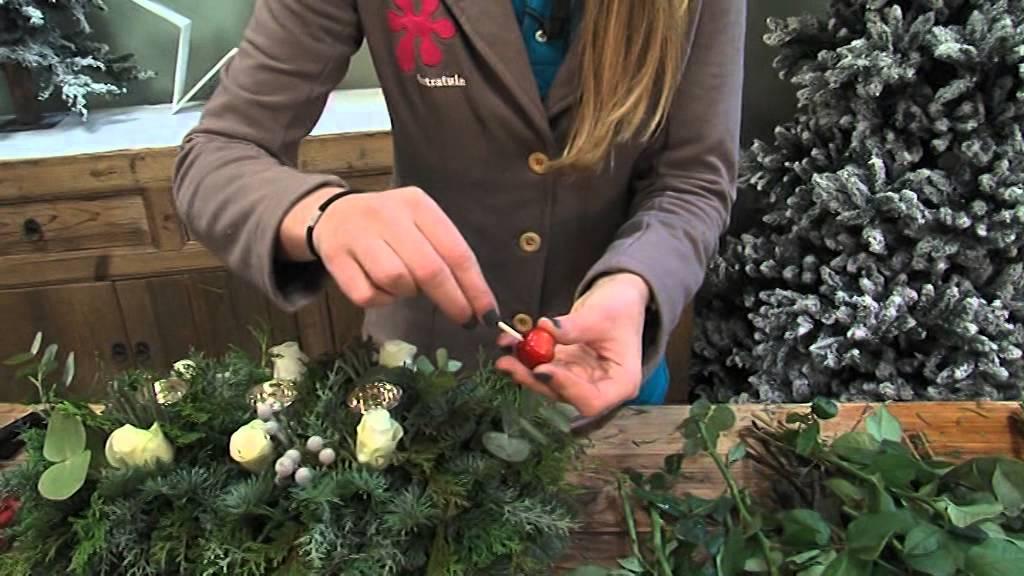 Maak zelf je eigen kerststuk met de tips van intratuin halsteren youtube - Hoe u een projector te installeren buiten ...