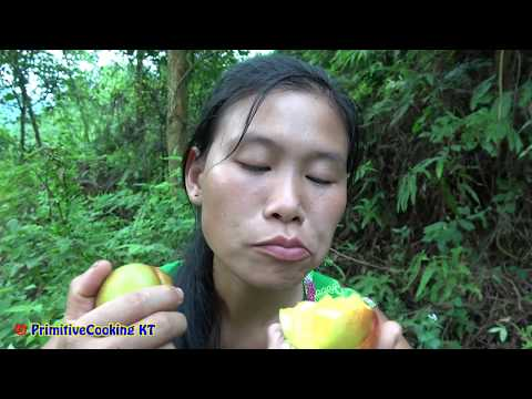 Survival Skills - Primitive Life Finding Natural Fruit To Eat - Delicious Watermelon & Forest Fruit