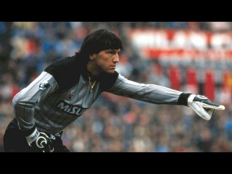 Walter Zenga, L'Uomo Ragno [Best Saves]